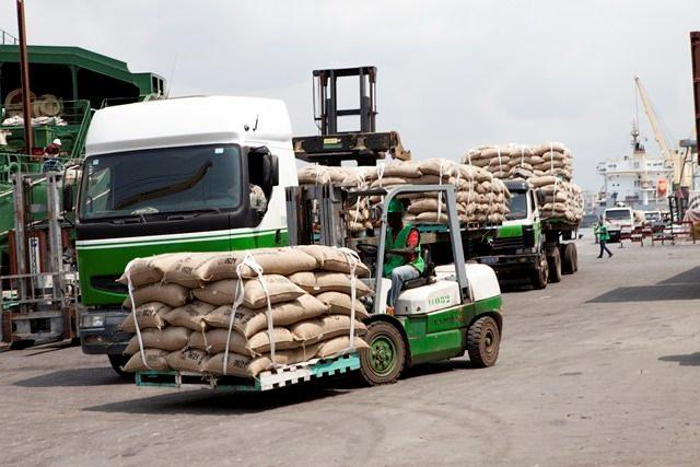 Le  transport et le stockage du cacao
